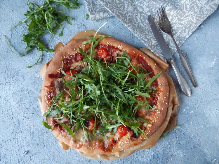 pizza na cieście orkiszowym