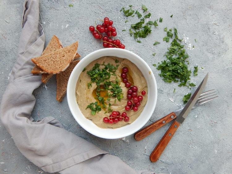 baba ghanoush, wegetarianizm, pasta kanapkowa - 5 powodów, dla których warto jeść warzywa