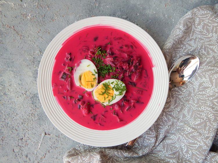 chlodnik buraczkowy, danie na lato, dietetyk a odchudzanie, wegetariański jadłospis