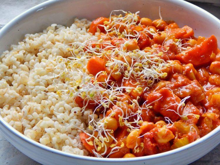 ciecierzyca w sosie pomidorowym, wegetarianizm