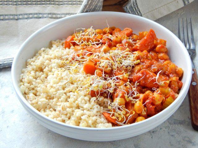 ciecierzyca w sosie pomidorowym - jak bilansować posiłki