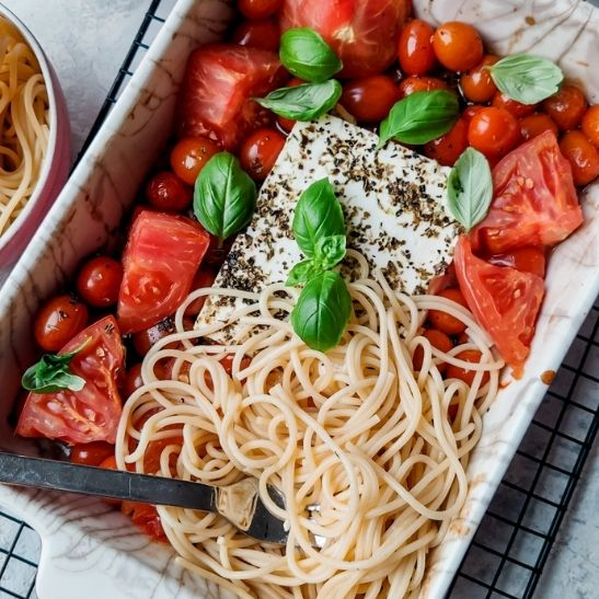 makaron z sosem pomidorowym, obiady na diecie, fit przepisy, pomysł na obiad
